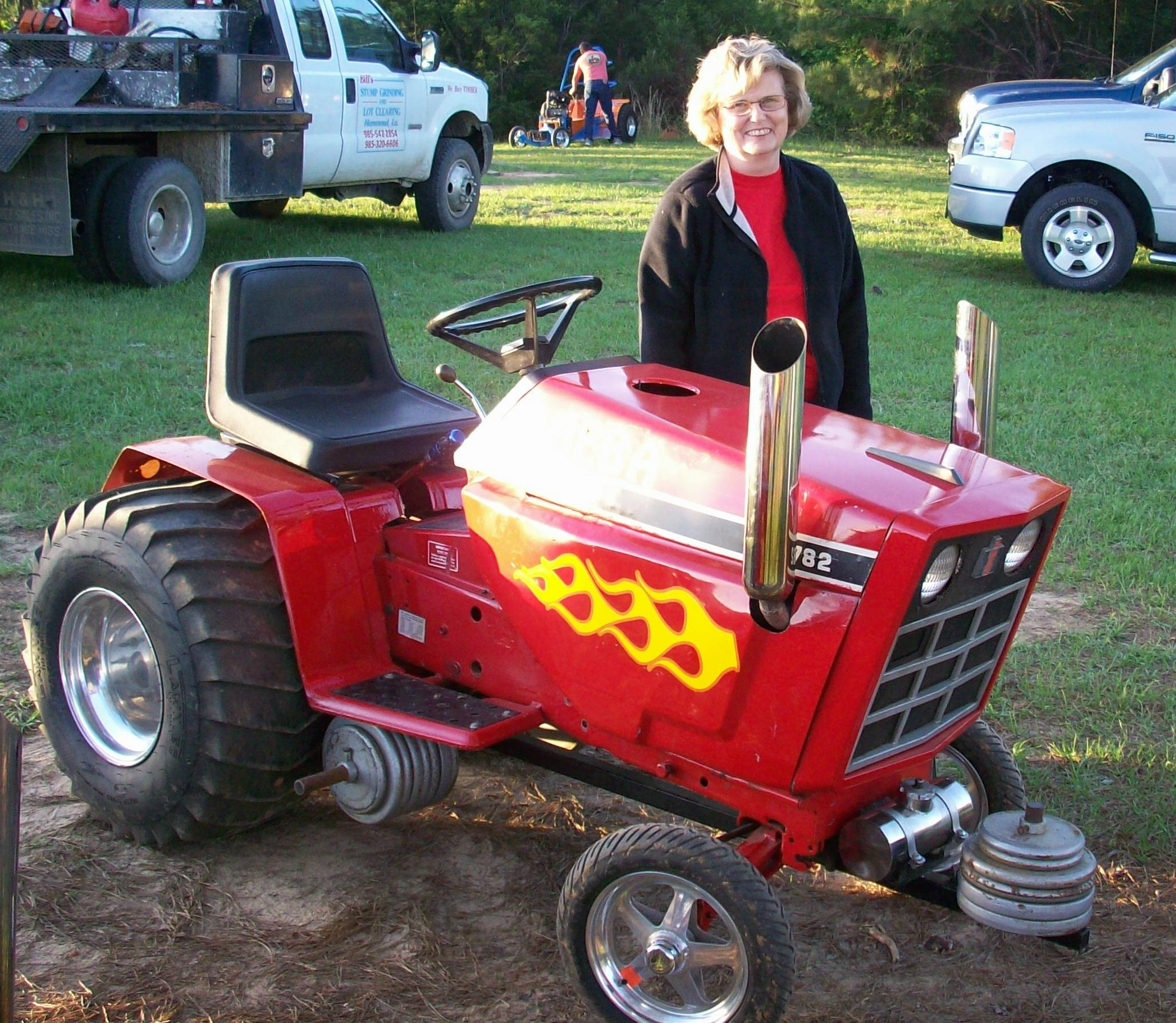 Lawn Tractor Towing : Modified lawn pulling tractor bing images